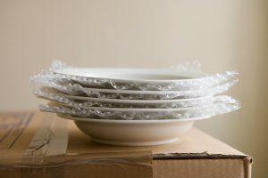 как упаковать тарелки